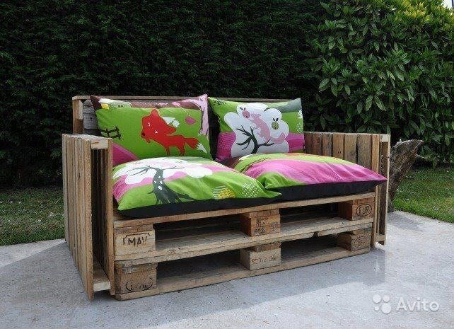 садовая мебель из поддонов принесет в ваш сад комфорт и уют.