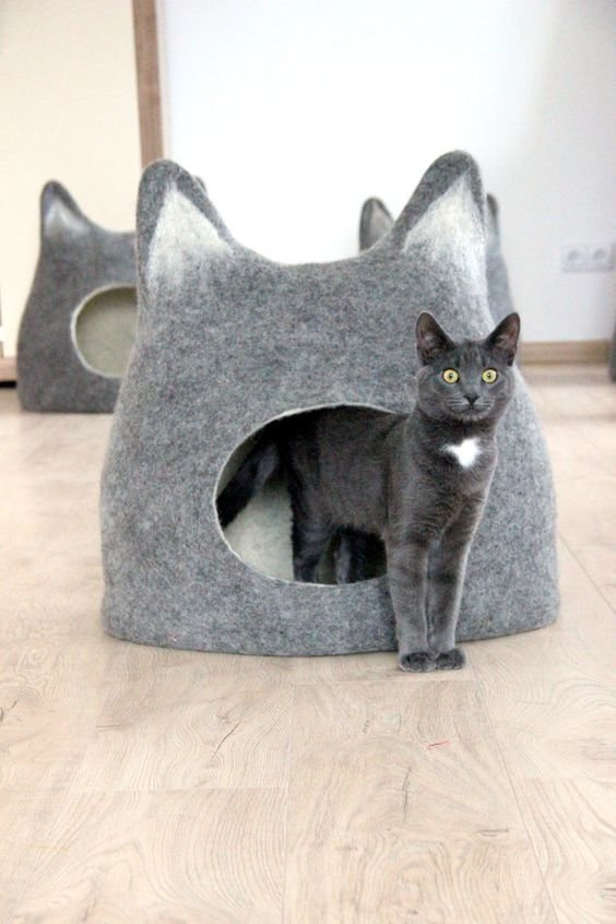Pet bed - Cat bed - cat cave - cat house - eco-friendly handmade felted wool cat bed