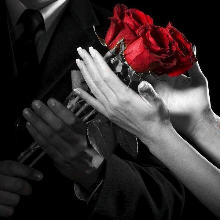 Открытка с розами для любимой женщины и стихами о расставание