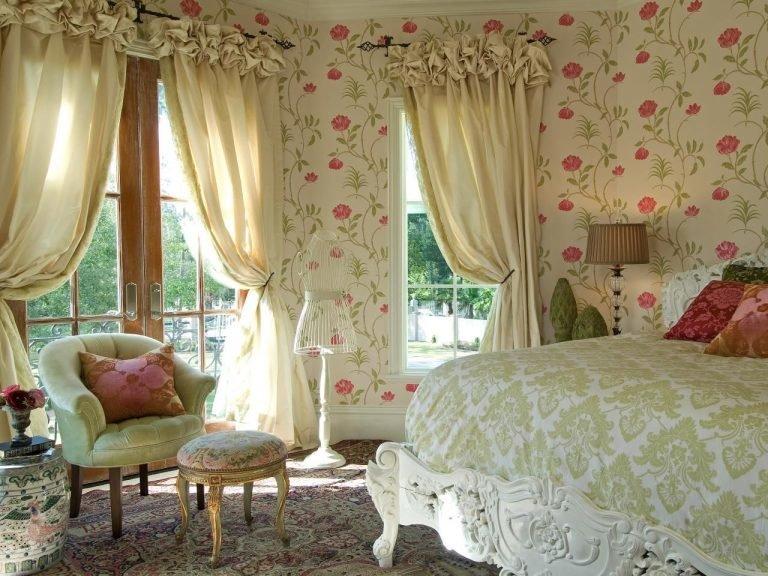 Окно в спальня в стиле прованс