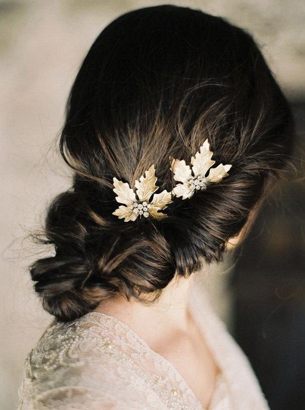 Изысканное украшение в виде листьев для невесты.