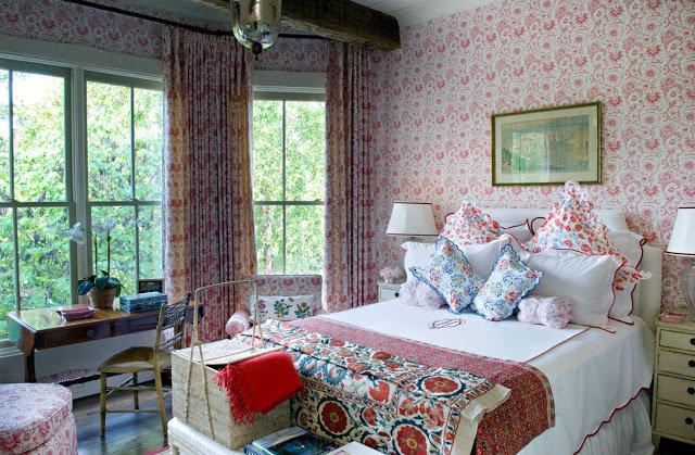 Романтичный Прованс в интерьере спальни станет настоящим райским уголком для утонченных натур.