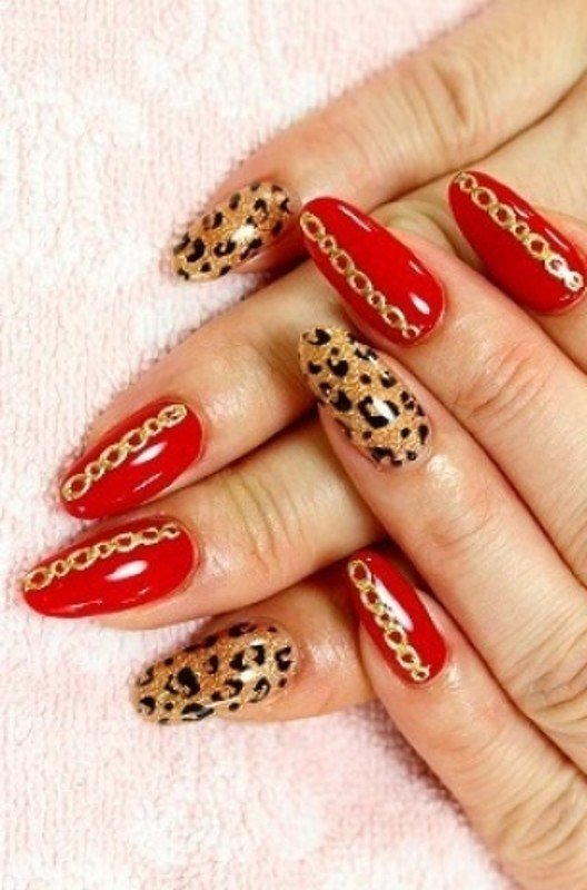 Ногти дизайн красные с золотом