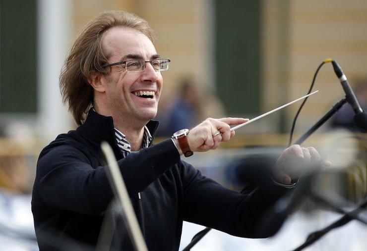 27 августа симфонический оркестр Москвы «Русская Филармония» и итальянский дирижер Фабио Мастранджело приглашают на необычный перформанс