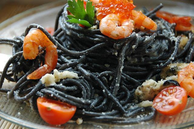только один черные спагетти с красной рыбой ходила Григорян-куликовой анже