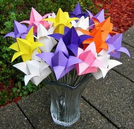 Поделки из бумаги! Сделать из бумаги своими руками! Как сделать тюльпан из бумаги?
