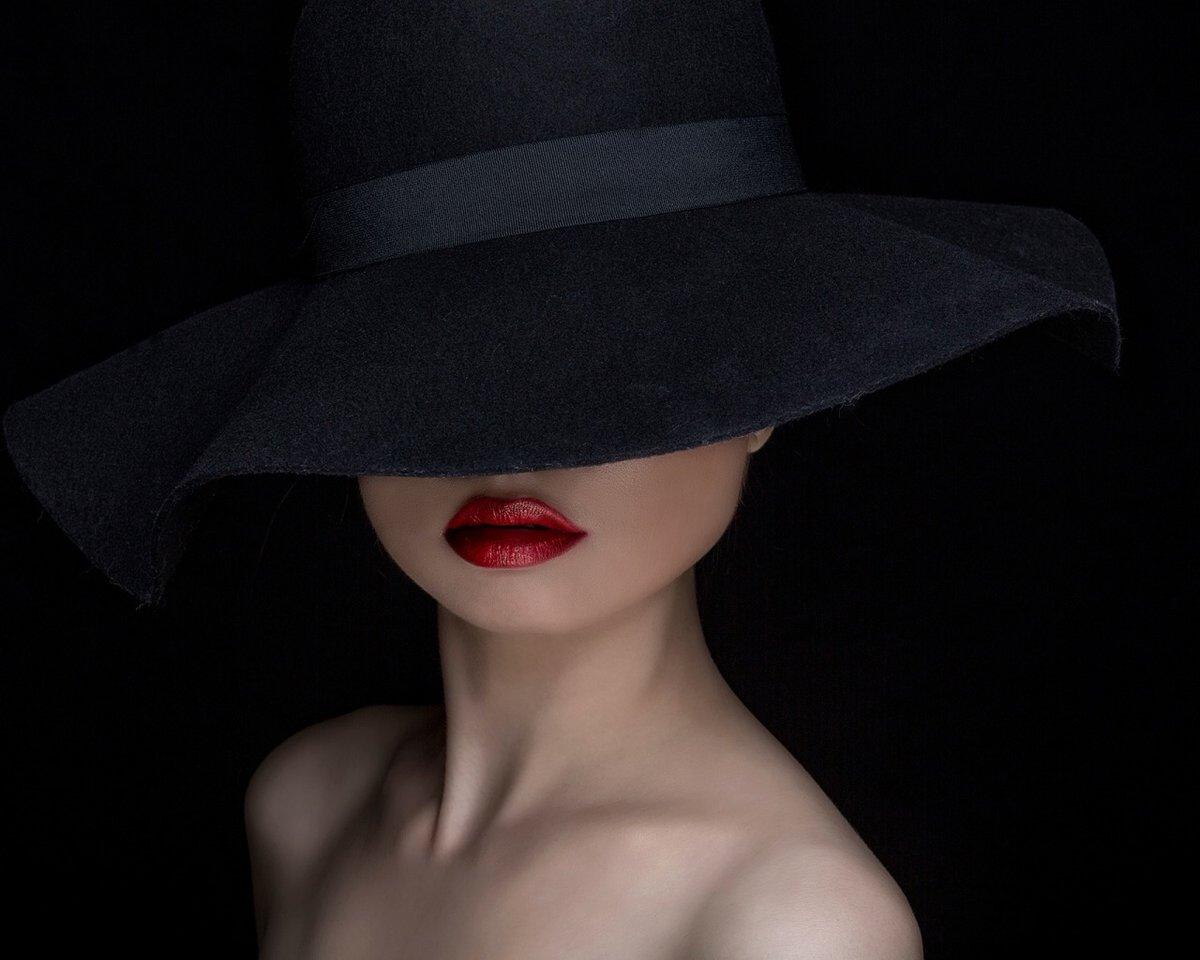 Поздравление днем, картинки женщин в шляпах с закрытыми лицами