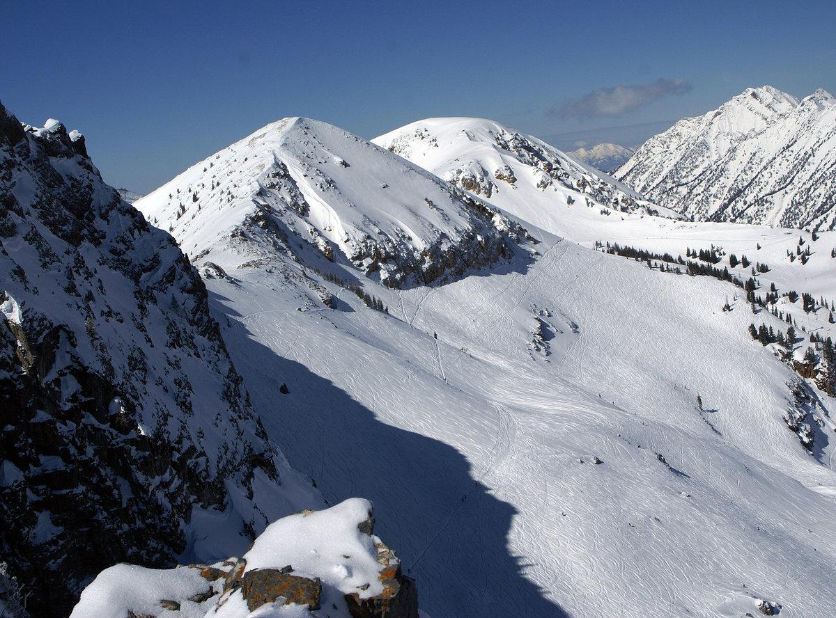 марианские бакуриани горнолыжный курорт фото які
