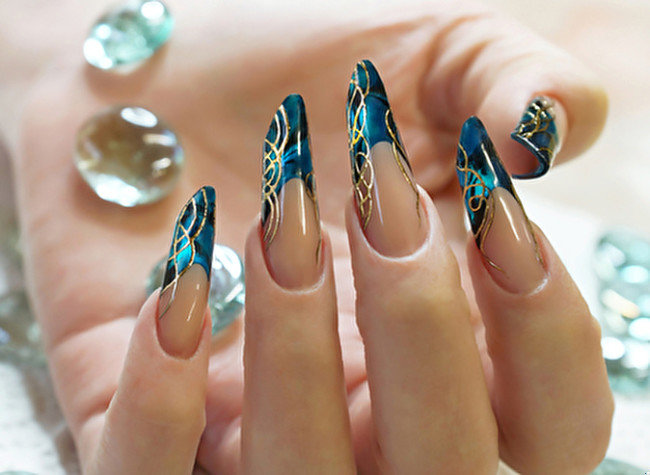 Дизайн на длинных ногтях