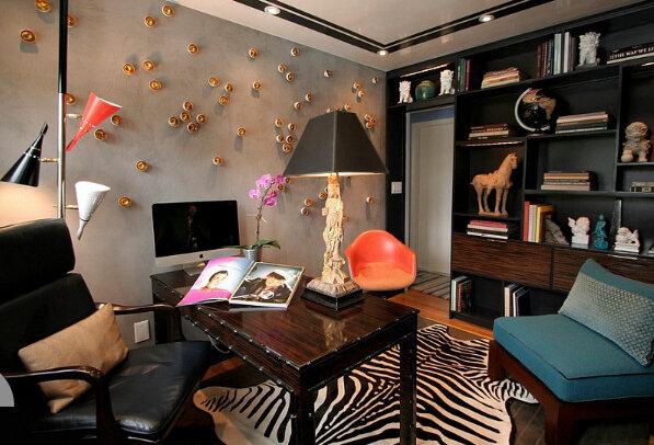 Декоративное освещение создает в помещении уютную, доверительную атмосферу, которая особенно важна, если вы часто принимаете в кабинете гостей или проводите деловые переговоры.