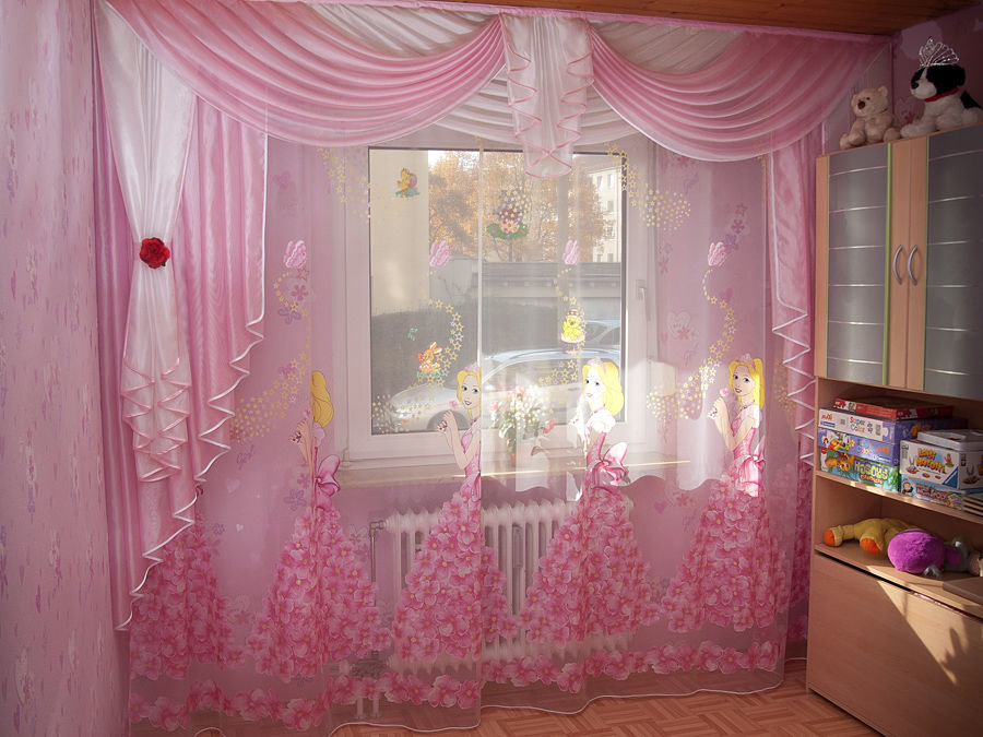 Стильные шторы в детскую фото