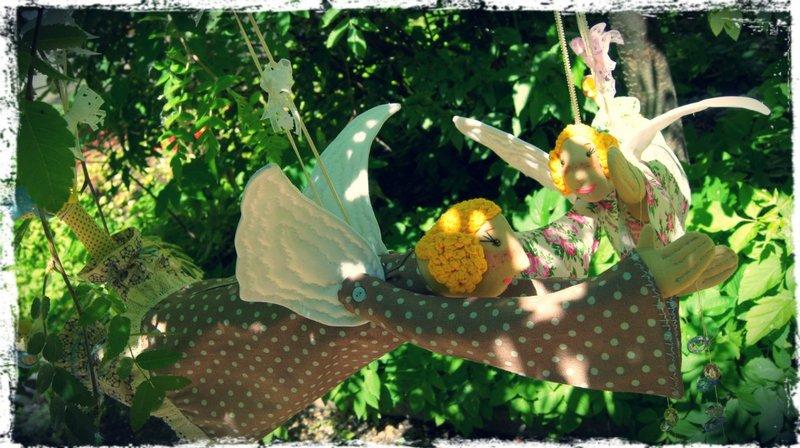 Ангелочки на дереве