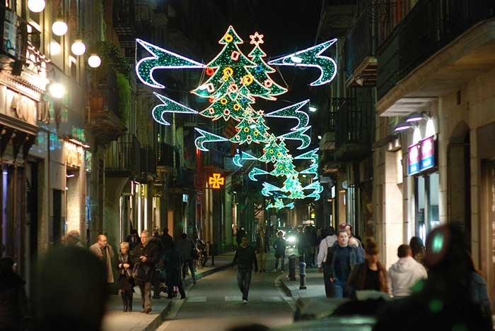 В Рождество в Барселоне хорошо бы пройтись по магазинам, выбор вас порадует.