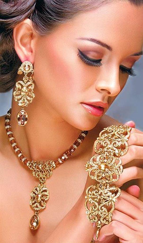 Jewellery by sexy girls 13