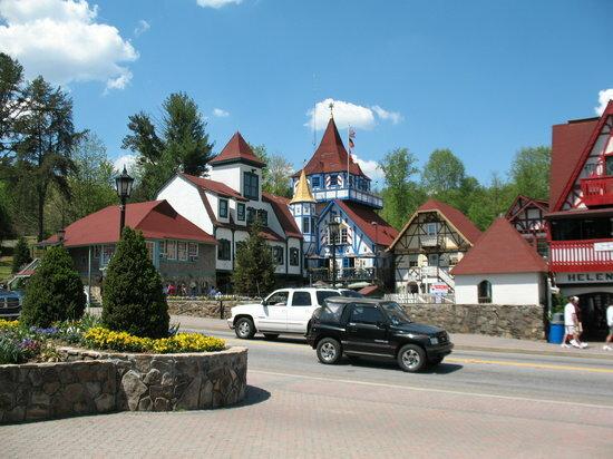 Еще один баварский городок в Америке - небольшой город Хелен в штате Джоржия.