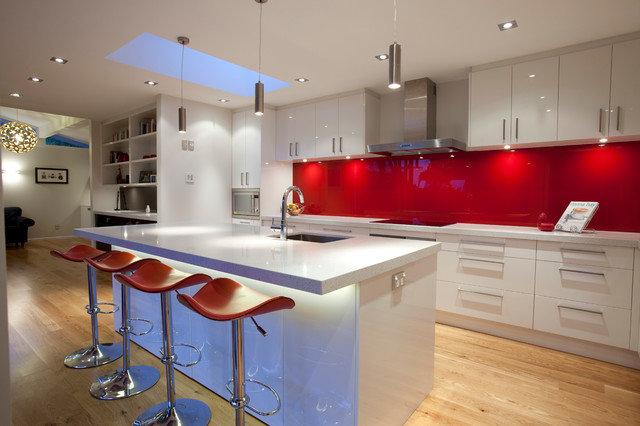 Кухни в стиле модерн - 33 фото интерьера | Про Сантехнику Кухня в стиле модерн фото 1