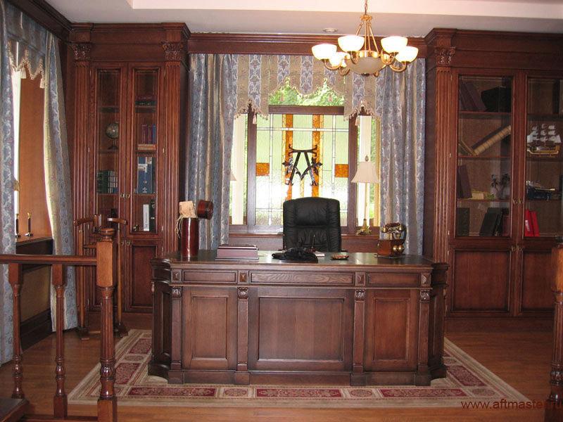 Дизайн кабинета в лондонском роскошном стиле в коричневых тонах.
