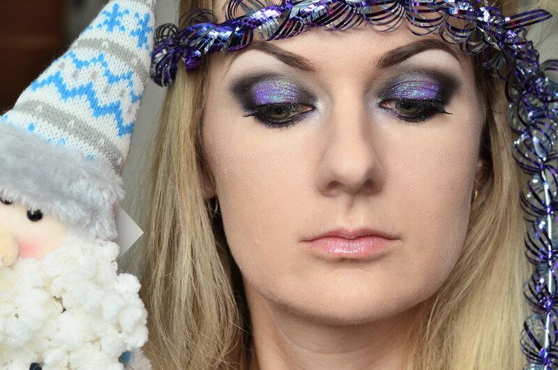 Последний пост в этом году должен быть макияжным!   Уже не первый год в декабре я делаю уроки макияжа с глиттером.