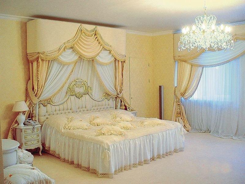Белый дизайн интерьера спальни в стиле арт-деко