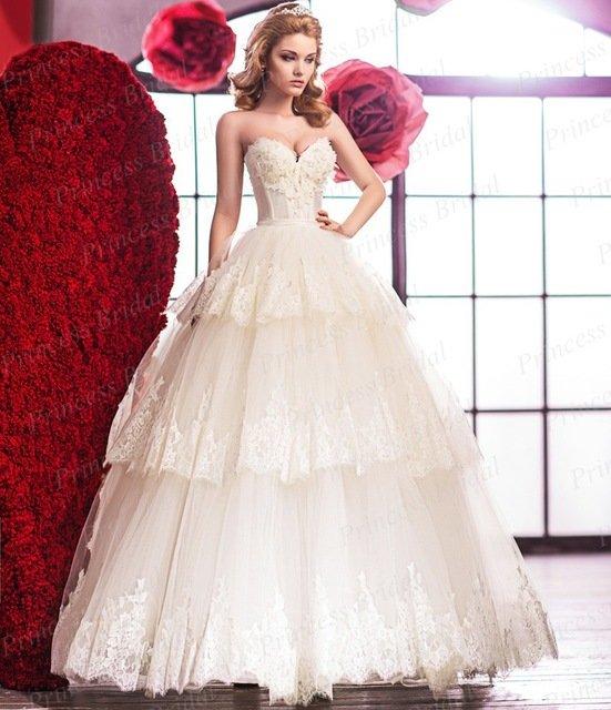 Платье свадебное цветы на юбке