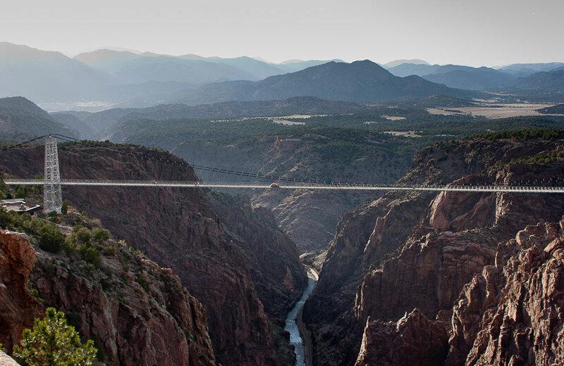 Мост над пропастью в США