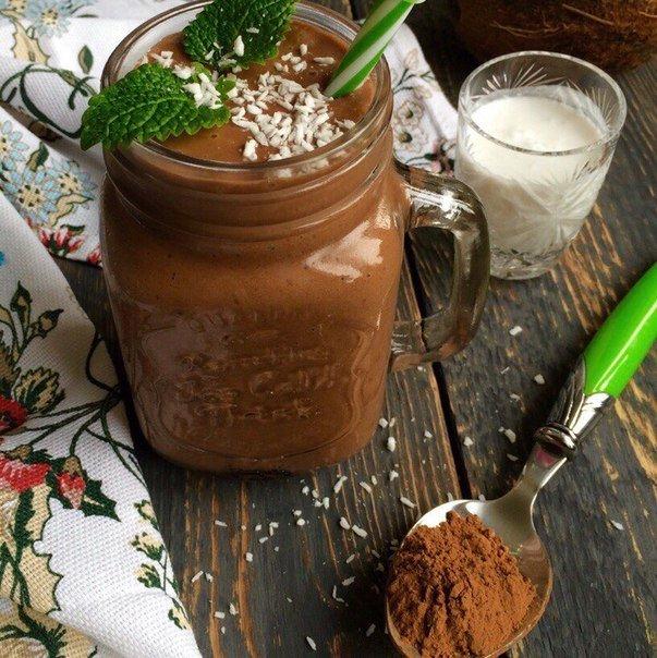 Шоколадно-кокосовый смузи
