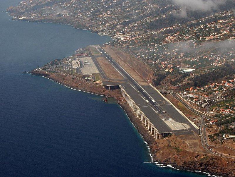 Аэропорт Фуншала, остров Мадейра, Португалия
