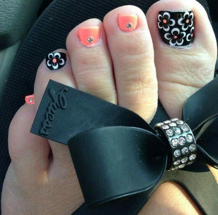 Женщины очень тщательно следят за своей внешностью, и красота ногтей находится для них далеко не на последнем месте..
