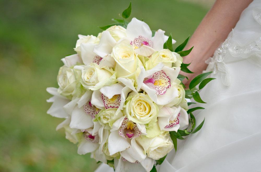 Букет невесты из орхидеи летом фото, доставка