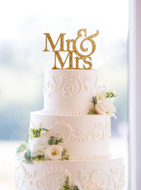 торжество были буквы в свадебном торте ю м фото решил проведать спальне