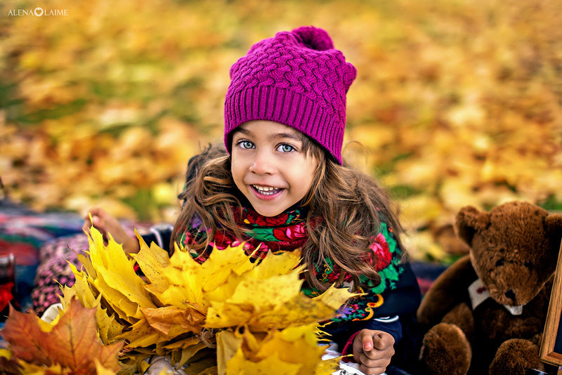 Профессиональные детские фотосессии в студии и на природе - красивые семейные и детские фотографии на долгие годы.