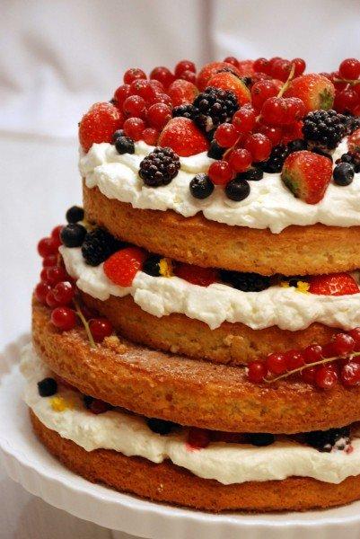 Праздничный садовый торт с ягодами - Julia's Baking