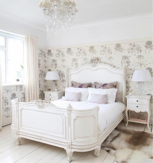 Спальня в стиле Прованс с белой мебелью