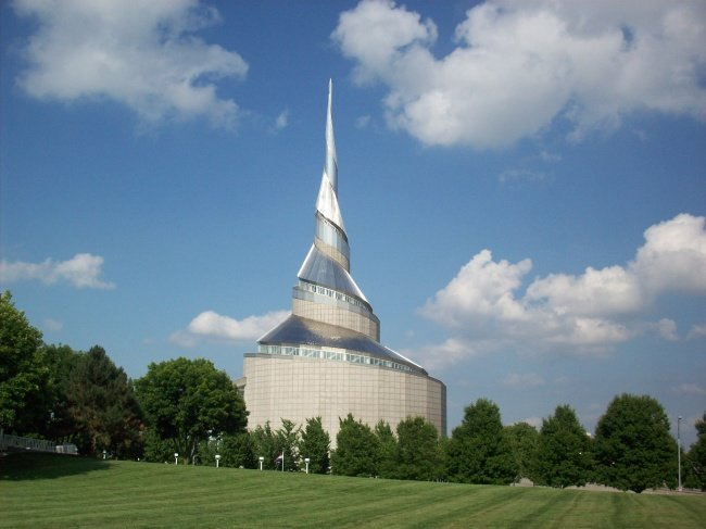 Мормонский храм (Индепенденс, Миссури, США, архитектор Джио Обата)
