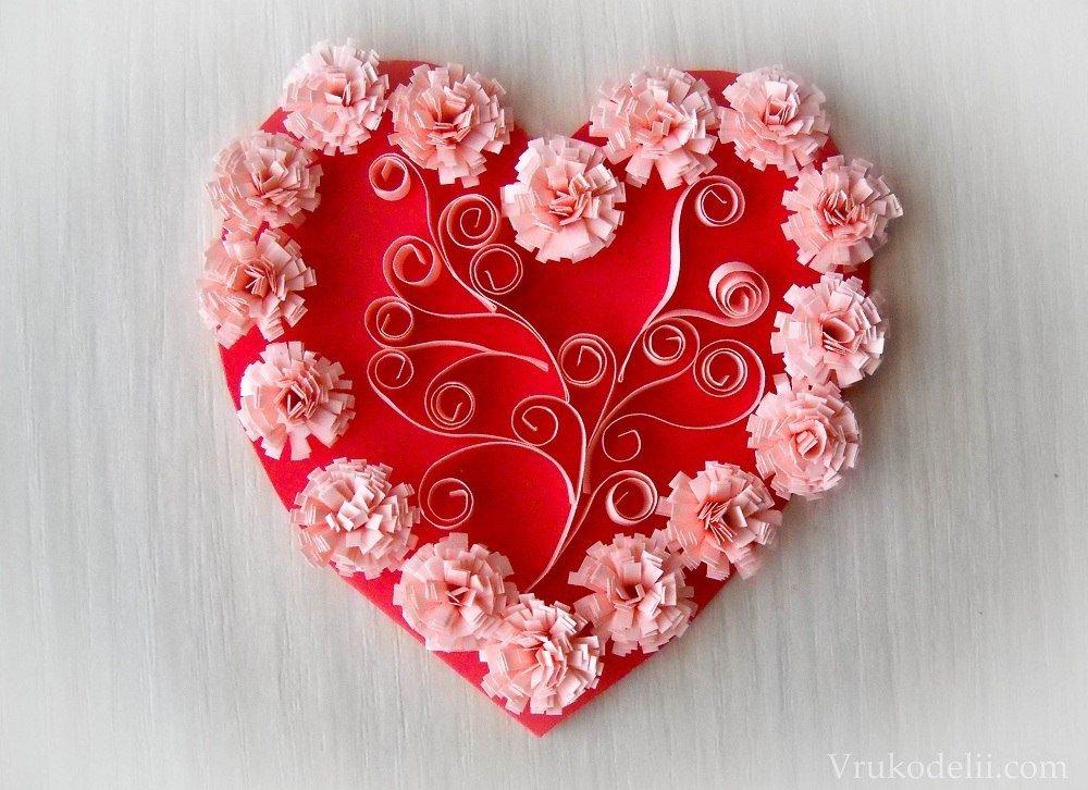 Открытка в форме сердца из бумаги