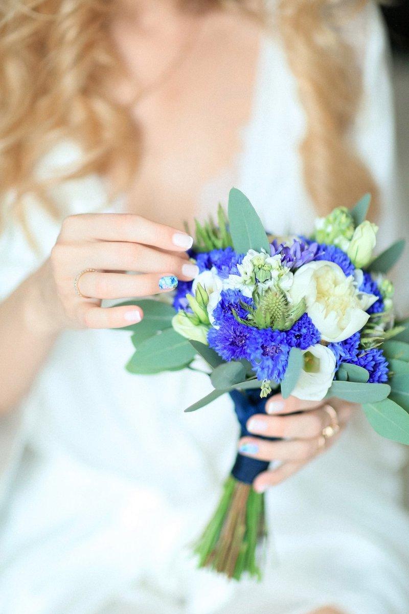 Букет свадебный в синем цвете
