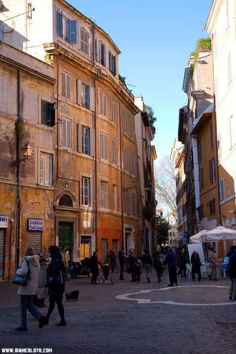 Еврейское гетто в Риме - одно из самых древних в мире. (Венецианское гетто признано самым древним).