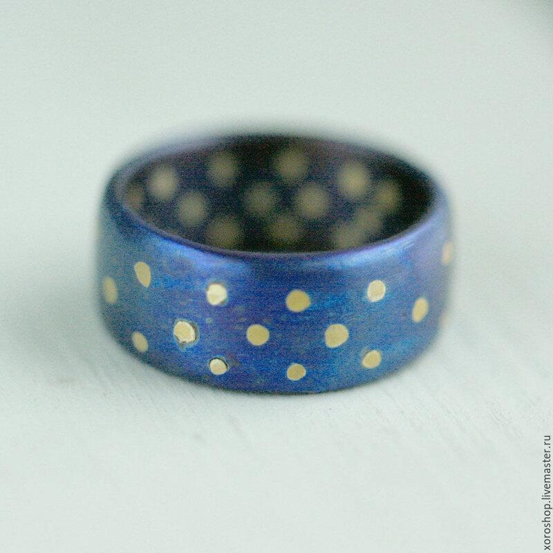"""Широкое титановое кольцо """"в горошек"""""""