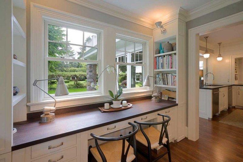 Использование естественного света в большей степени зависит от того, где и как расположен кабинет