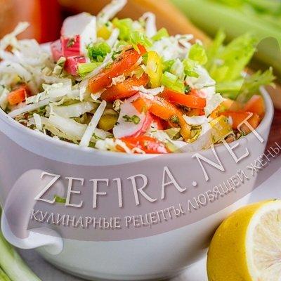 Салат с кукурузой и крабовыми палочками и помидорами рецепт 5