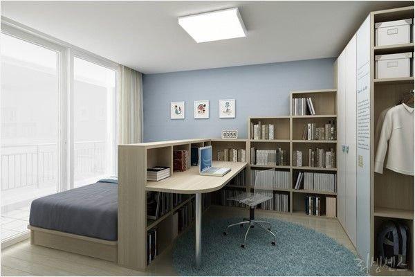 Стеллаж - перегородка между кроватью и мини кабинетом