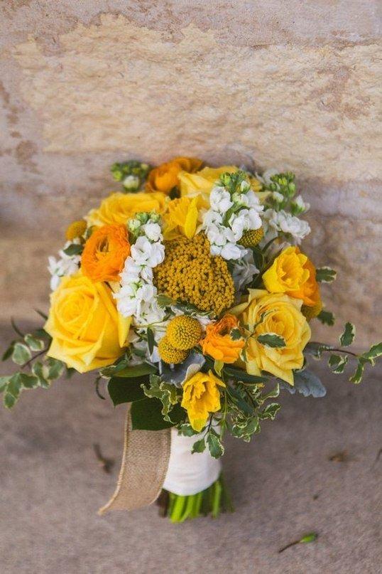 Букет невесты композиция из желтых роз, закупка цветы срезка