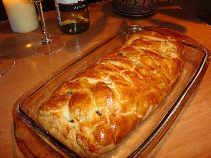 Быстрый мясной пирог в духовке