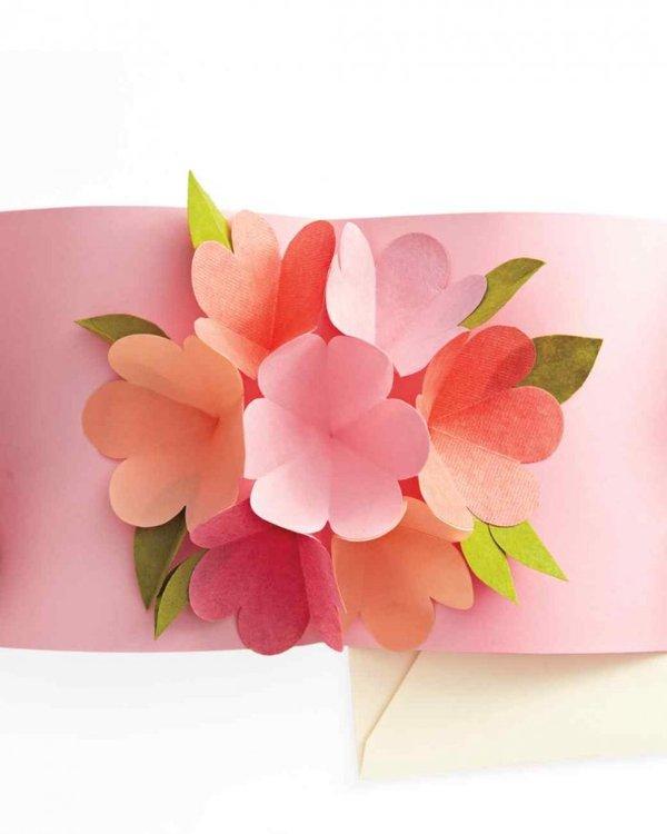Цветы в открытке собираются своими руками