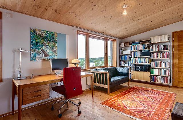 Домашний кабинет в эко стиле