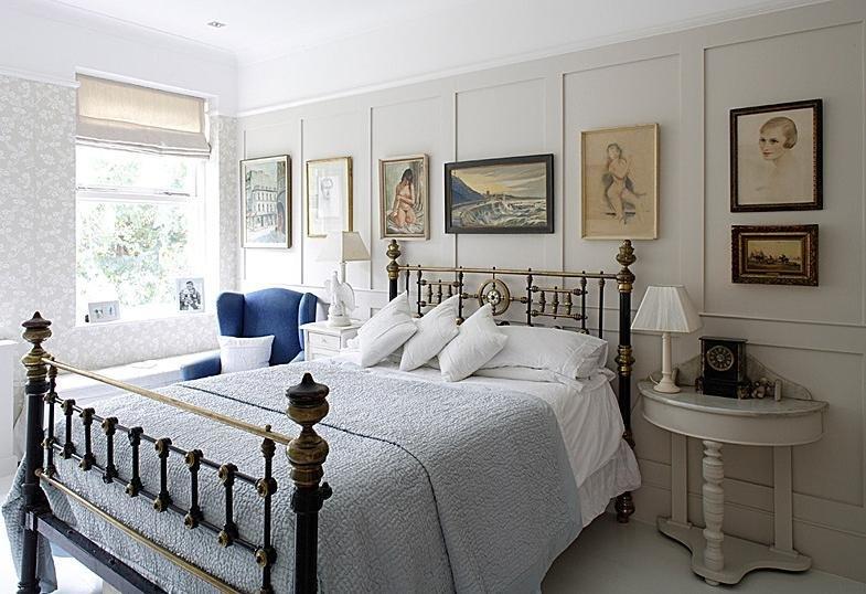 Гармония квартиры в викторианском стиле в том, что в ней все уравновешенно, симметрично, проникнуто чувством меры, но одновременно насыщенно.