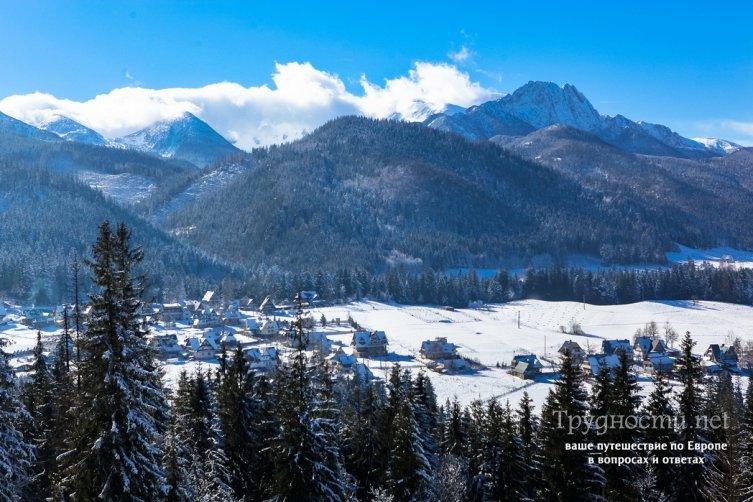 Горнолыжный курорт Закопане, расположенный в южной части Польши (горный массив Западные Татры), практически на самой границе со Словакией – прекрасный вариант, если вам нужно недорогое проживание в горах и недорогой ски-пасс на катание для всей семьи