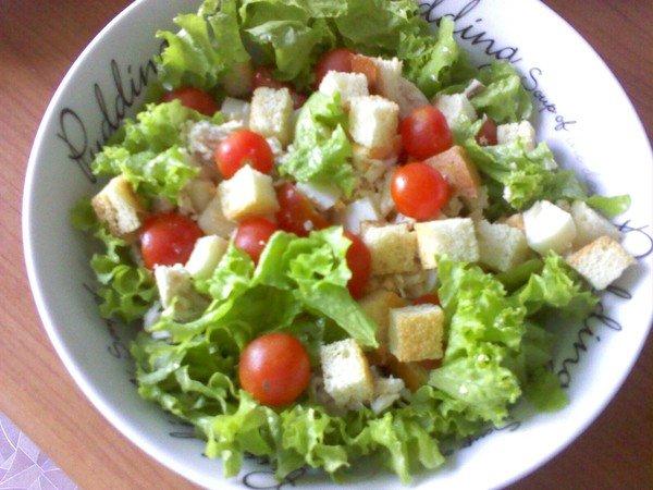 Салат с сухариками рецепт фото классический