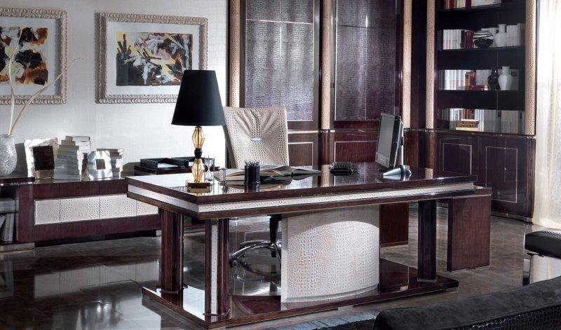 Домашний кабинет в здержанных тонах темного цвета