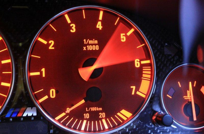 Шкалы BMW M